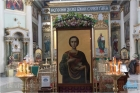 В Знаменском соборе пребывает икона великомученика и целителя Пантелеимона